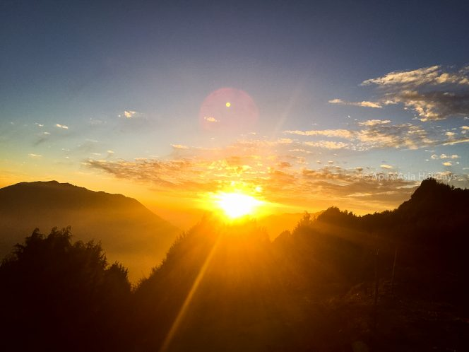 Stunning sunrise view from Lantang Valley with Apex Asia Holidays